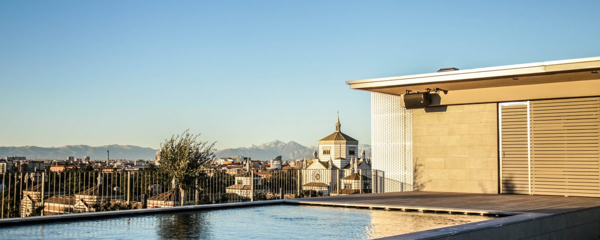 Hotel VIU, terrace with a 360° view of Milan