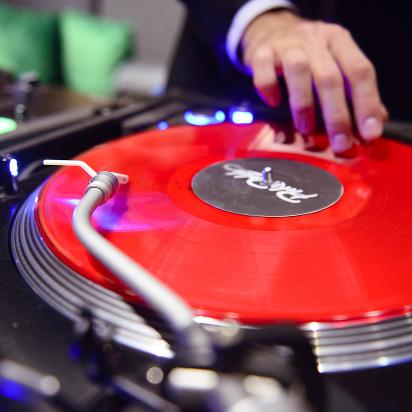 DJ 412 x 412 (1)